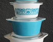 Beautiful near perfect 8 piece set of Heritage blue Pyrex casserole dish set with lids