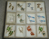 Lot of 22 vintage Gerrys broaches