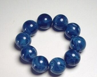 Bracelet with large blue beads
