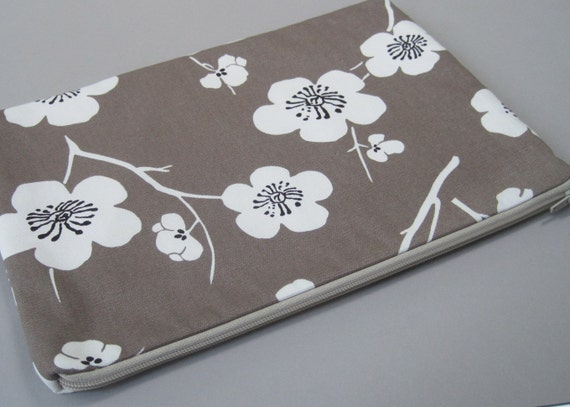 Laptop Case, for 13inch MacBook, and other laptop models, Padded laptop case, Plum Flower.