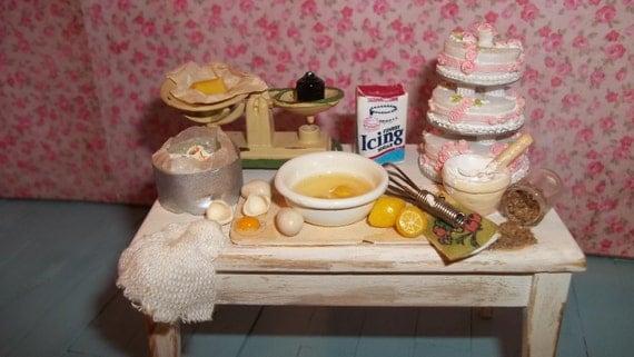 Miniature 1:12 making a cake setting