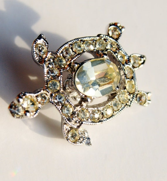 VIntage Jewelry, Small Crystal Turtle Pin, Silver Rhinestone Brooch