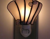 Shell nightlight with bubbles