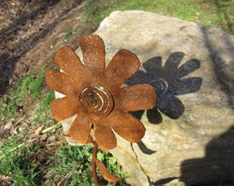 Handmade Metal Garden Flower, Yard Art.