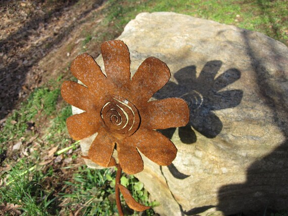 Ready To Ship!     Handmade Metal Garden Flower, Yard Art.