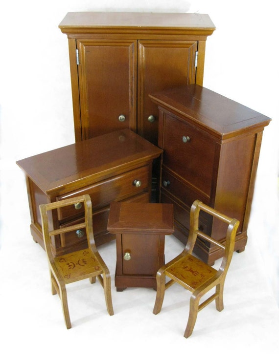 SOLD TO GINTA Six Piece bedroom set for collectors and children