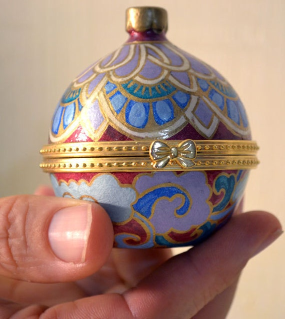 Ceramic Gift Box For Rings And Other Precious Treasures: Hand Painted Keepsake Jewelry Box - FREE SHIPPING