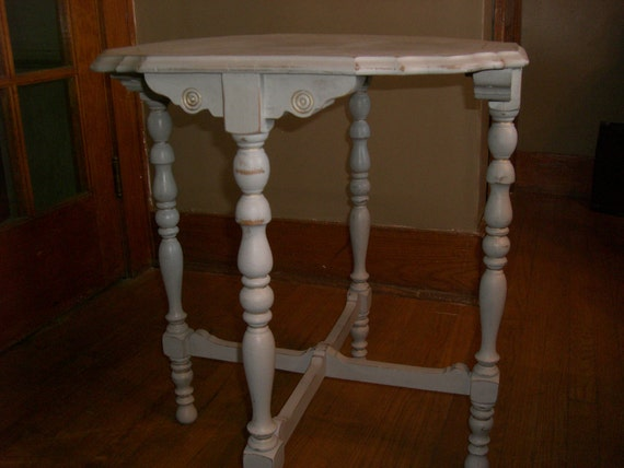 Lovely Antique Side table