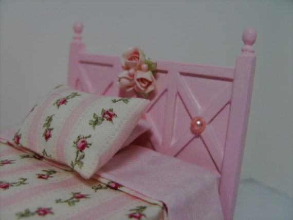 """Dollhouse Miniature Furniture """"Princess Pink Bed of Her Dreams"""" One Inch Scale"""