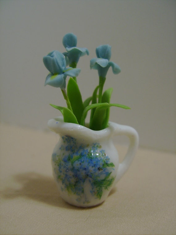 Dollhouse Miniature Irises, National Symbol of France, Scale One Inch