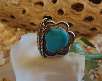 SALE ****Turquoise and Sterling  Silver Flower Ring Vintage Flower Leaf Navajo Native American Southwestern