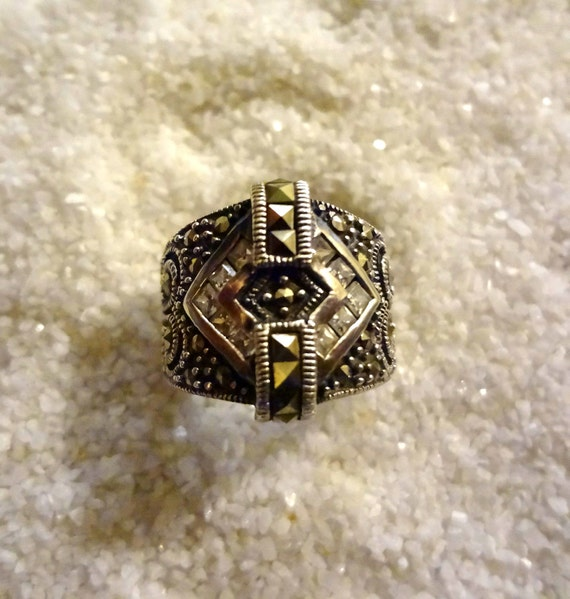 Vintage Marcasite and CZ Sterling Silver Ring size 6