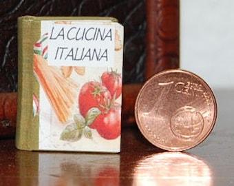 Miniature book in italian, LA CUCINA ITALIANA