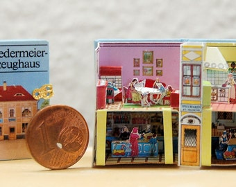 Miniature Pop-Up Biedermeier Spielzeughaus one-inch-scale