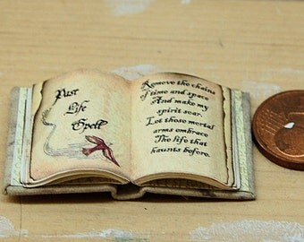 Witch spell book open 1:12 (1 Inch)