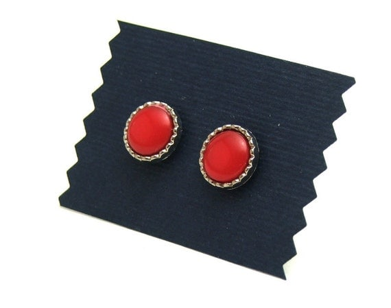Small red round button earrings