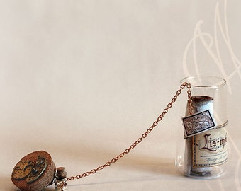 "Romantic message presented in hand personalised steampunk bottle - Message-F - ""Je n'ai plus que toi de chemin..."" In French"