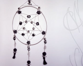 "Handcrafted and eccentric dreamcatcher - ""An eye protects my dreams"""