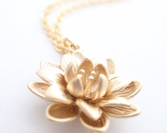 Flower 14K Gold Filled necklace-simple everyday jewelry- Bridesmaid necklace,Wife, Girlfriend, Mothers Gift Idea