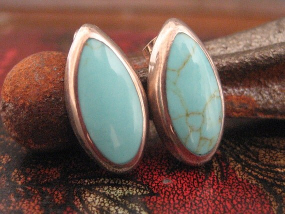 Sterling Silver mexican robin's egg blue turquoise stud earrings