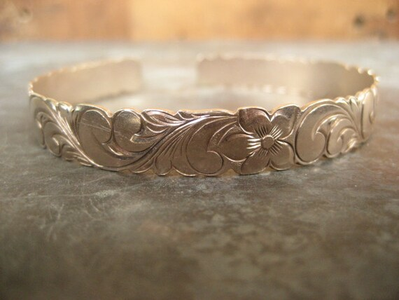 CLEARANCE SALE 14k rose gold bracelet, Hawaiian bangle, 14k cuff bracelet, heavy floral bangle, flower bangle, 585 gold bracelet, Hawaii