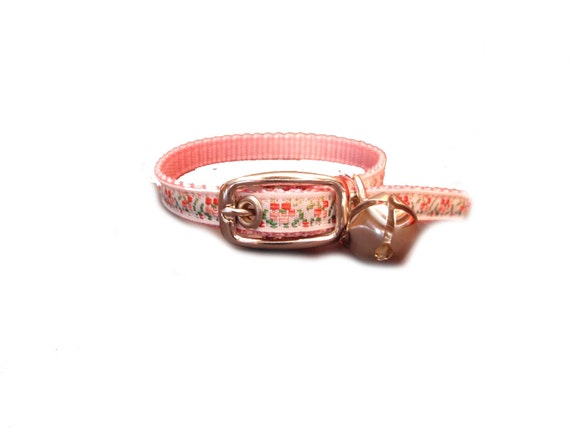 XS adorable, pink flower dog collar