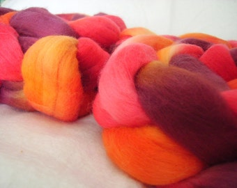 Red Woman merino roving/tops