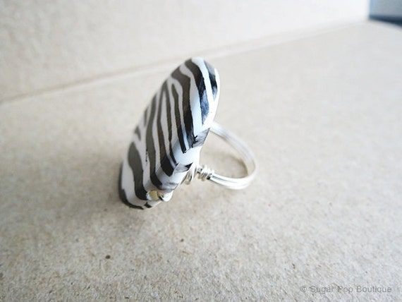 Flat & Round Circle Zebra Striped Bead - Wire Wrapped Cocktail Ring - Custom Band Size