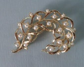 Beautiful Curled Goldtone Pearl Brooch