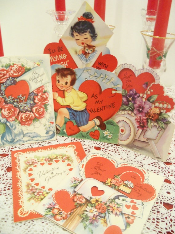 Vintage Valentines 1940s UNUSED LOT of SIx Romantic Valentine Card Roses Violets Lovely Graphics w/ Envelopes