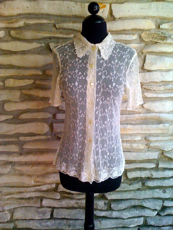 50's Vintage - Sheer Floral Lace - Button Up - Pointy Collar - Blouse S/M