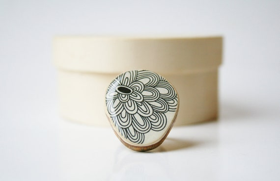 Cocktail ring black floral adjustable ring geometric pattern delicate jewelry eco fashion Chunky ring minimalist jewelry