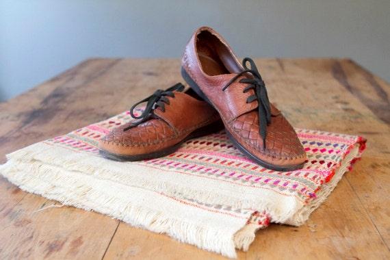 Sz 7 Women's Vintage Leather Basket Woven Lace-up Flats