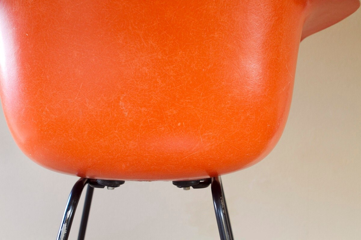 Eames arm chair in orange for herman miller - Herman miller occasion ...