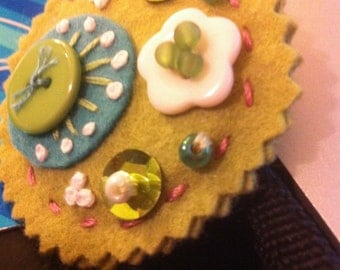 Wool Felt Round Brooch or Pin-Spring Green with turquoise and white details