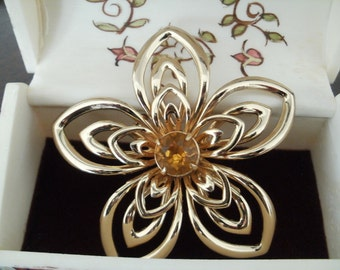 Vintage Coro large flower brooch - Citrine / Yellow Topaz Rhinestone