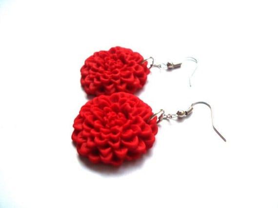 Red Flower Earrings. Polymer Clay Chrysanthemum. Flower Dangle Earrings. Polymer Clay Handmade Earrings. Red Floral Dangles
