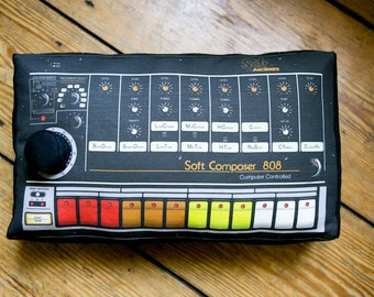 Minimachine 808 Pillow