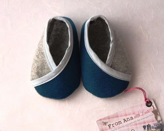BABY FELT SHOES Boy and Girl - Newborn also available -100% Blue and Grey Wool Felt - Kimono design