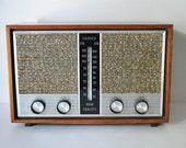 Mid Century Granco 6 Tube AM FM Receiver Radio 1962