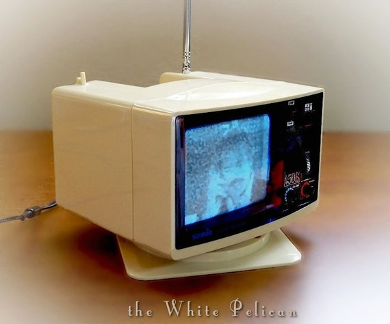 Retro 4 1/2 inch  Portable Television Vintage Mini TV With  DC Adapter  The Jetsons 1970 EXCELLENT