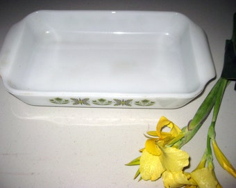 1  1/2 Qt. Vintage Anchor Hocking Fire King Baking Dish Meadow Green No. 441