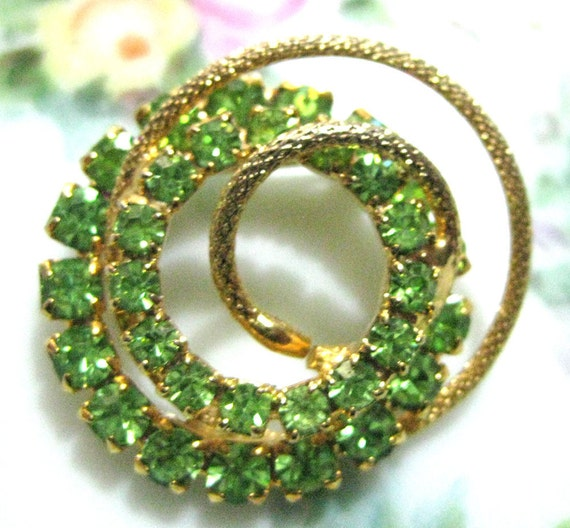 Green Rhinestone And Gold Spiraling Brooch-Pin-Vintage