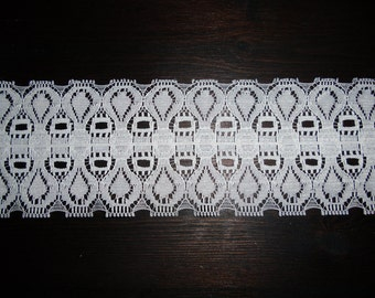 """Vintage Lace - Bridal Lace, Scalloped White Lace, 16 Yards 2 1/2"""" Wide by the Raval Lace Company (Canada) Inc."""