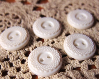 15 pieces, lovely Vintage White buttons circa 1960s to 1970s for sewing, craft, zakka, japanese, craft, stamp, scrap booking, accessories