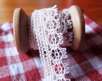 SALE. Pink Vintage Crochet Lace Trim Tape Ribbon from Japan Zakka for sewing, craft & scrapbooking, doll 3 yard
