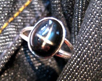 Black Star Diopside Gemstone Studded 925 Sterling Silver Ring , High Quality Semi Precious Gemstone Oval Cabochon