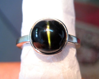 Rare Natural Diopside Cats Eye studded 925 Sterling Silver Ring , kornerupine cat's Eye Gemstone cabochon Engagement Ring , beautiful gift