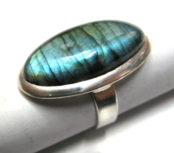 Blue Fire Labradorite studded 925 Sterling Silver Ring , Fine Quality Labradorite Full Flashy Oval Shape Cabochon Gemstone