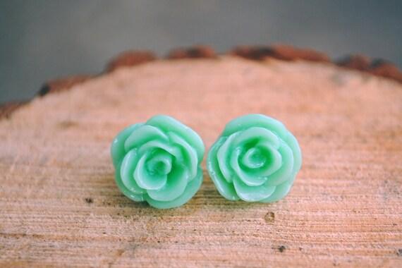 12mm roses . mint
